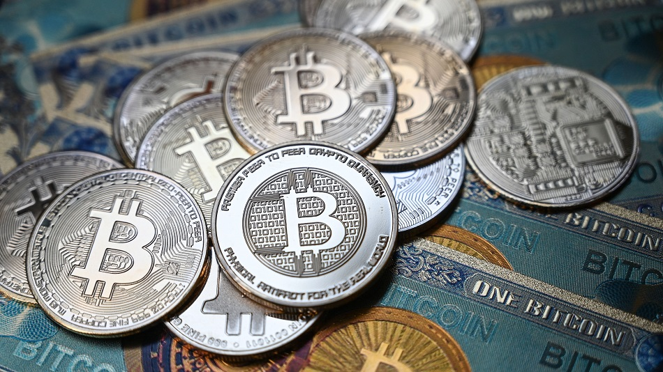 What is decentralized finance? An expert on bitcoins and blockchains explains the risks and rewards of DeFi