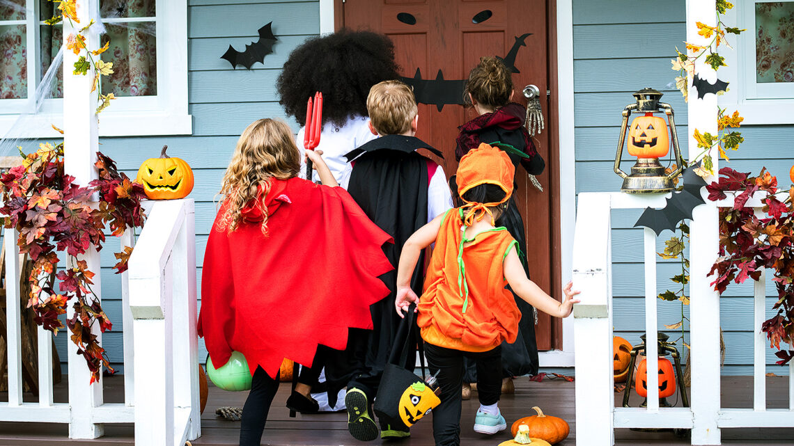 Simple safety tips for trick-or-treating after Fauci greenlighted Halloween 2021
